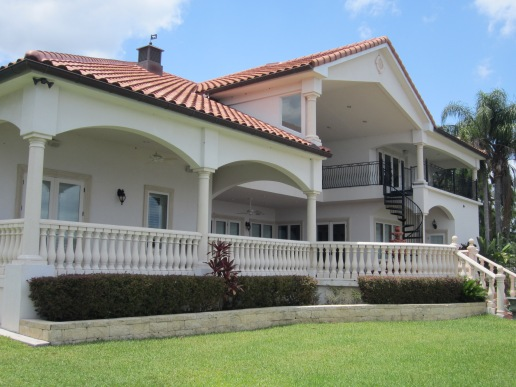 Orlando , Windermere Pressure Washing and Roof cleaning