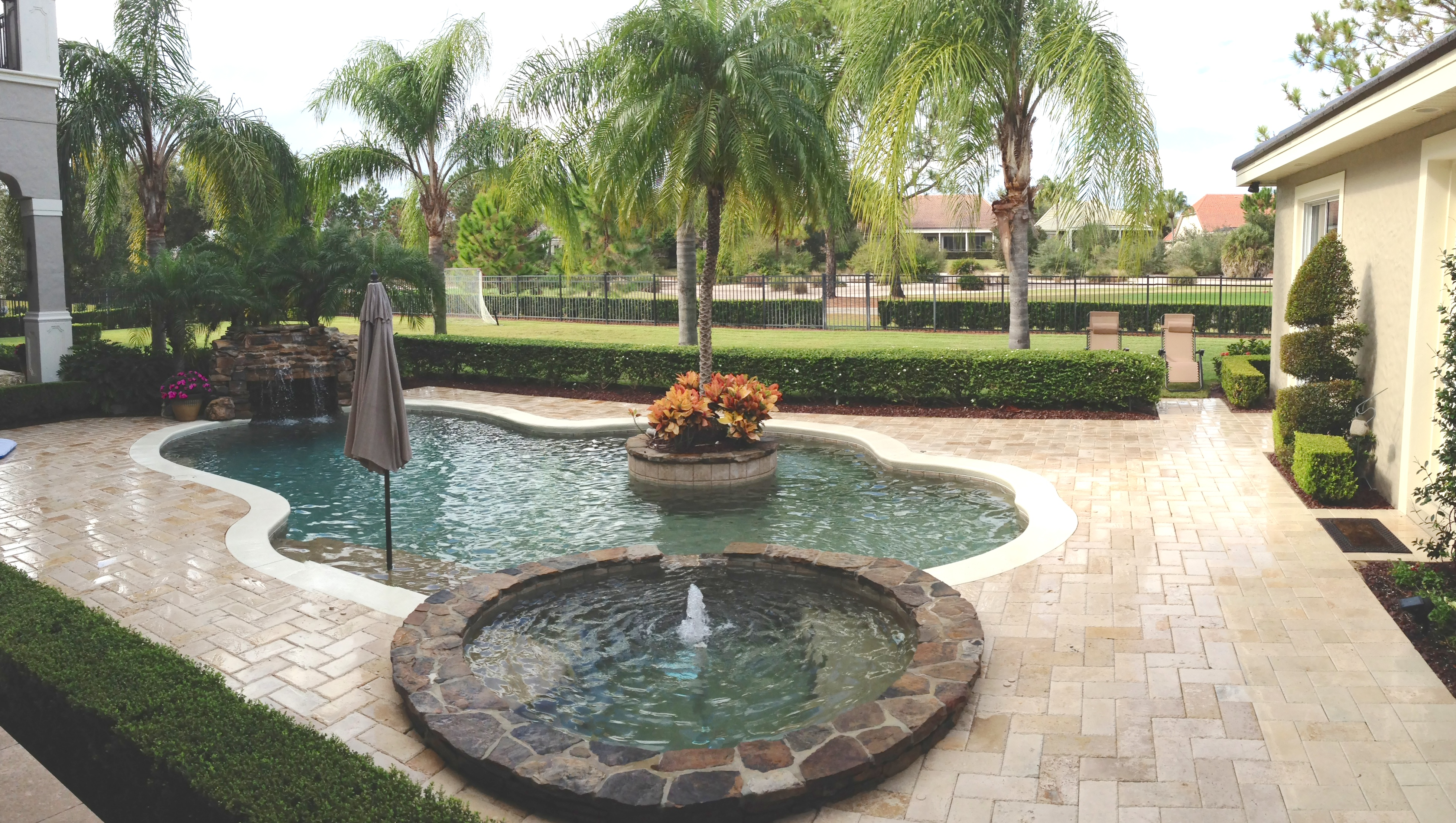 Pool deck patio cleaning and pressure washing orlando for Pressure clean pools
